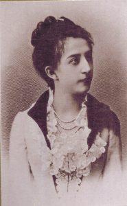 Marie Eugenie Delle Grazie war eine österreichische Schriftstellerin, Dramatikerin und Dichterin. Fotografie um 1889. Gemeinfrei.